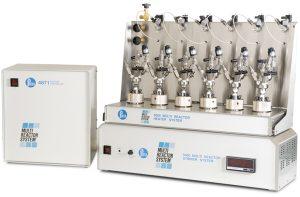 5000 Mehrfachreaktorsystem; sechs 75 ml Behälter mit Flachdichtungen und kopfmontierten Ventilen, mit 4871 Controller