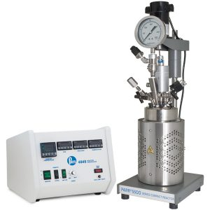 Parr Serie 5500 HPCL Reaktor mit 4848 Controller und optionalen Erweiterungsmodulen.