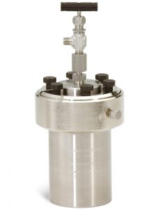 4760-300mL-A Vessel with A281HC Adapter and A146VB Needle Valve.