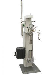 4534 Bodenstandreaktor, 2000 ml, Kühlschlange, Flüssigkeitszugabe-Pipette und 4848 Controller mit optionalen Erweiterungsmodulen
