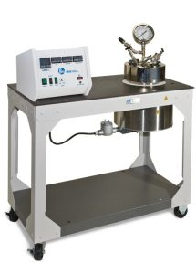 Model 4666, 2-Gallon Removable Head Vessel, in 4929 Heater with a 4848 Process Controller