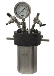 Model 4670-1G Moveable Head High Pressure Vessel, single valve, gas release valve, gage, rupture disc, and thermowell
